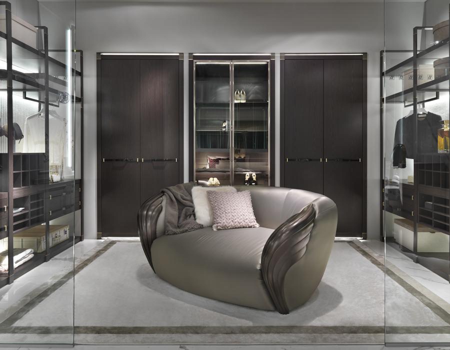 Elledue_Aqvila Armchair and Walk-In Closet